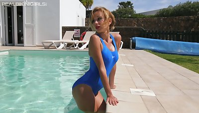Sexy chick in bath suit Lena K performs hot video for wanking