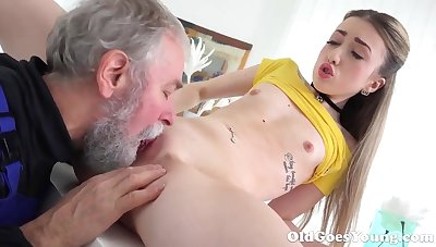Old Goes Young - Beautiful Vlada splits open her long legs