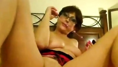 matured masturbates exceeding webcam
