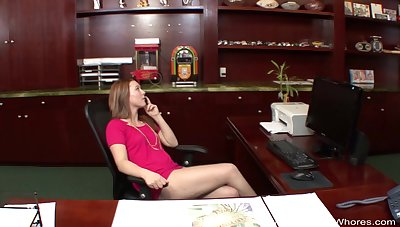 Busted Whore Gives A Great Blowjob Session Experience