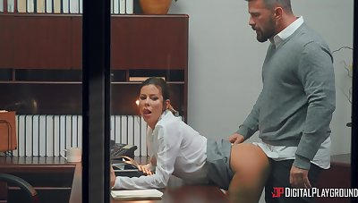 Take charge woman rides like crazy during a nice tryout with the boss
