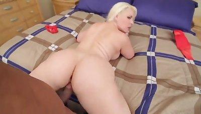 Bedeli Buttland Fleshy Cuban Ass