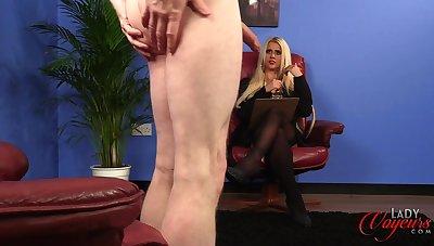 Blonde pornstar Romei Rose enjoys adhering dudes masturbating