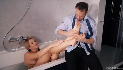 Strong bathroom porn for the hot wife after a nice footjob