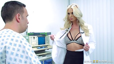 First majority this female doctor gets laid roughly a handful of of her patients