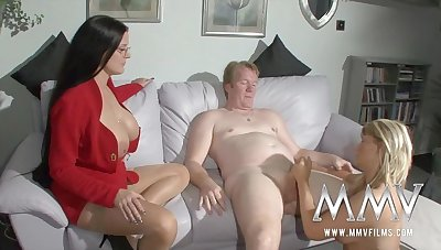 Die Sexnanny Bringt Ihn Dazu Seine Frau Mal Wieder Ordentlich Zu Ficken