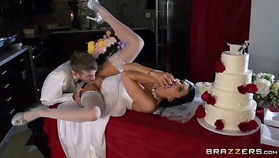 Romi's Anciently Wedding Gift