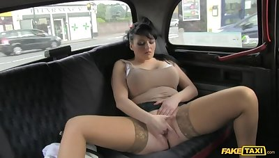 Smoking Hot Cougar Lets Her Massive Tits Loose All Forsake Cabbie's Dick